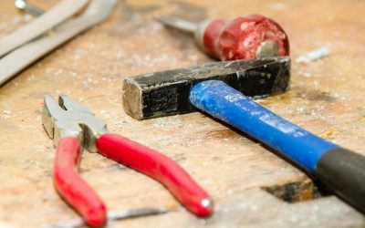 Factors to consider when hiring a contractor